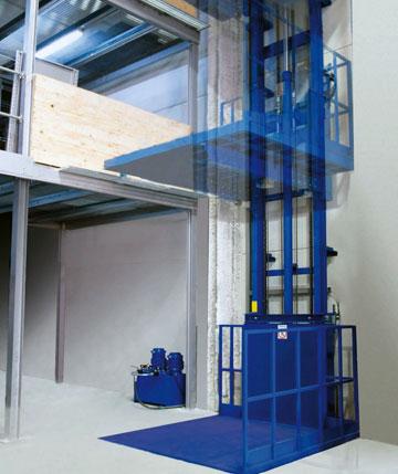 Kolomliften zijn sneller dan schaarliften en daardoor uitermate geschikt als ze veelvuldig worden gebruikt.